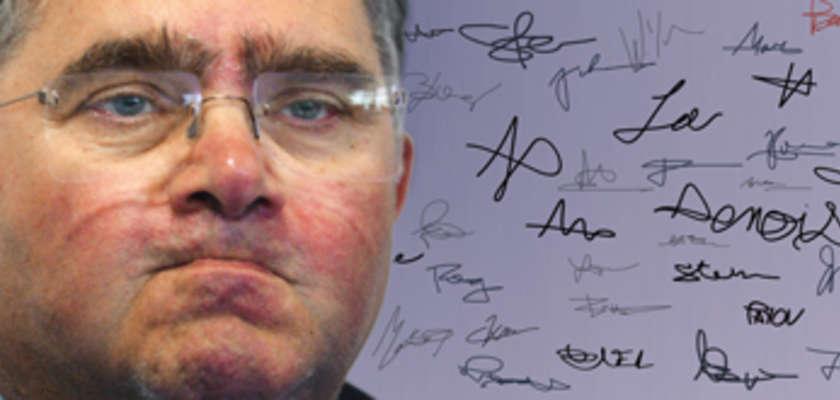 Procès Allègre : signez la pétition de soutien à Politis !