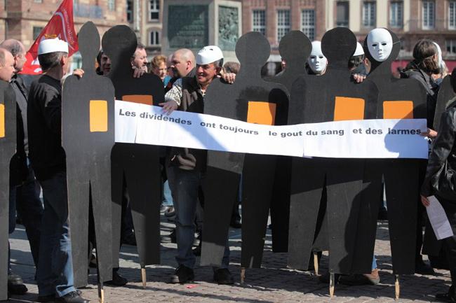 Des salariés de France Télécom manifestent le 22 mars 2012 à Strasbourg. - Photo : AFP / CITIZENSIDE / Arnaud Hembert