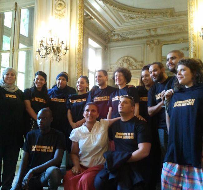 Les militants d'ACLeFeu, lundi au ministère de l'Égalité des territoires. - E. Manac'h