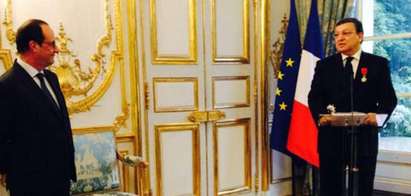 Barroso fait Grand officier de la légion d'honneur par Hollande