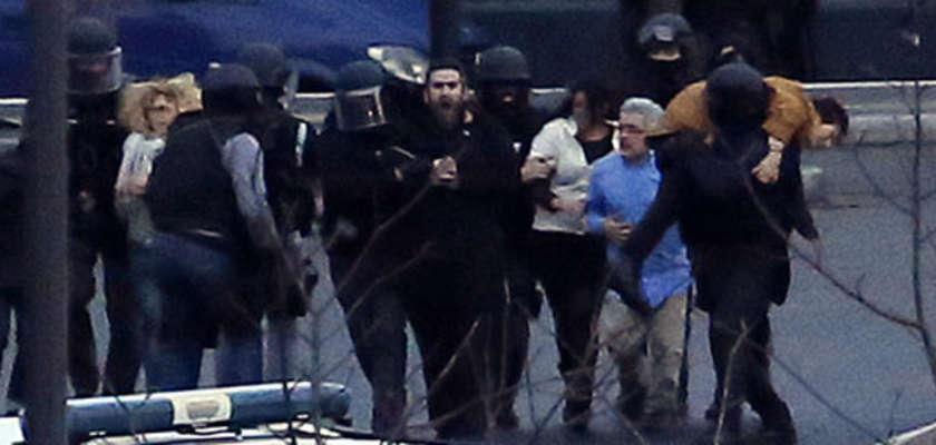 Double prise d'otages: un lourd bilan