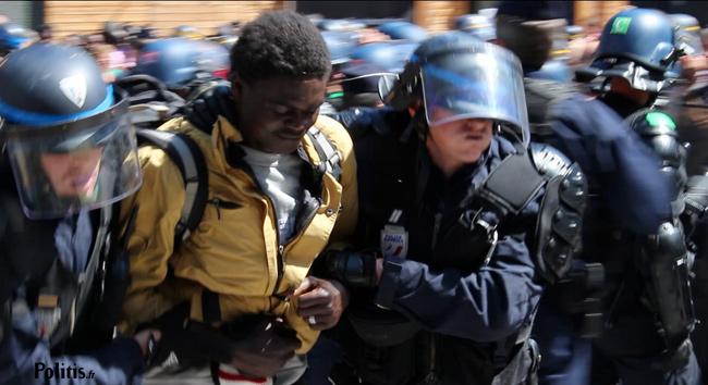 Illustration - Les images de l'opération policière contre des migrants à Paris