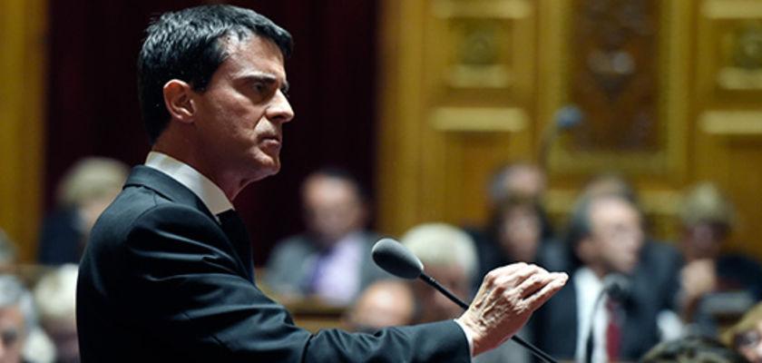 Etat d'urgence: Valls admet ne pas respecter la Constitution