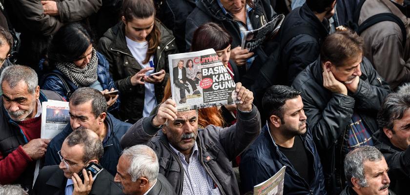 Turquie : Deux journalistes risquent la prison «à vie»
