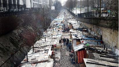 « Suspendre l'expulsion du bidonville Porte de Clignancourt ! »