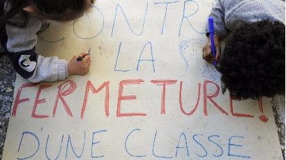 Non à la fermeture des classes
