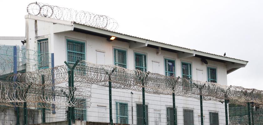 Prisons : vite ça déborde !