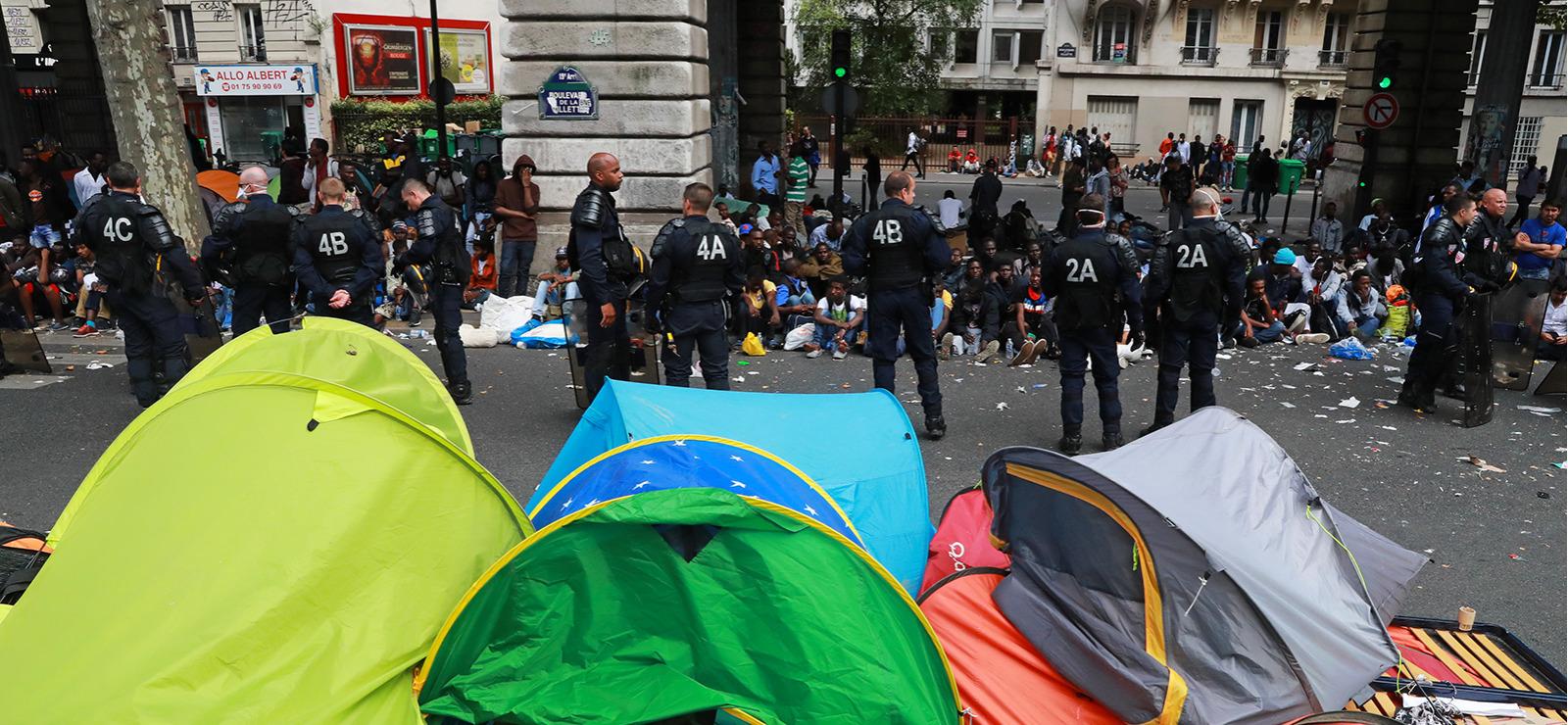 Migrants : nouveau SOS des associations aux ministres