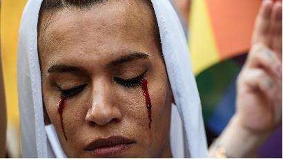 Turquie : Une transsexuelle assassinée, des militants réprimés
