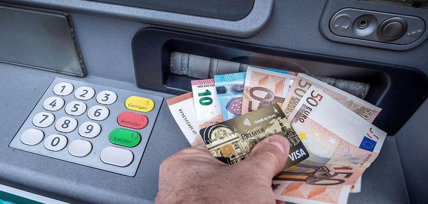 Frais bancaires: LeBourget, c'est fini!