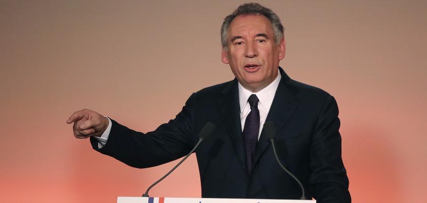 Bayrou s'allie au candidat des « forces de l'argent »