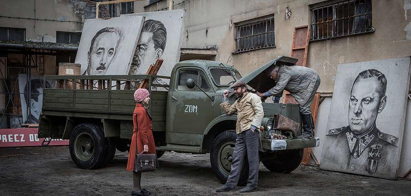 « Les Fleurs bleues », d'Andrej Wajda : Voir ou ne pas voir Staline en peinture