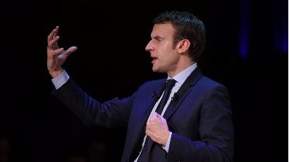 Macron ne rime pas avec colon
