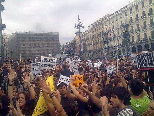 Illustration - La jeunesse d'Espagne en mouvement …