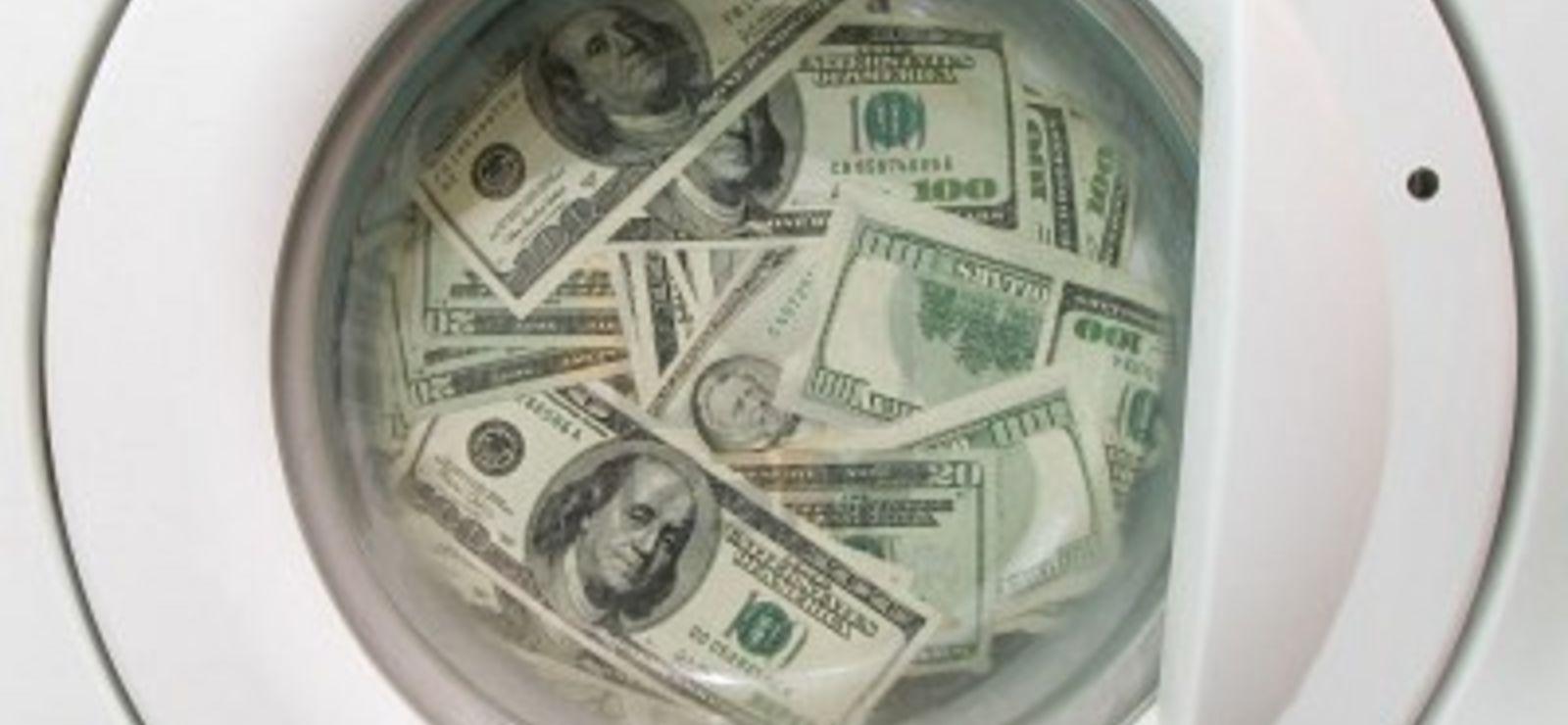 Blanchiment d'argent : le gouvernement pas pressé de récupérer 220 milliards d'euros…