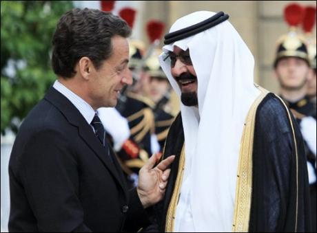 Illustration - Où L'On Pressent Que MM. Guéant Et Juppé Vont Promptement Rappeler M. Sarkozy À Plus De Discernement Dans Le Choix De Ses Hôtes