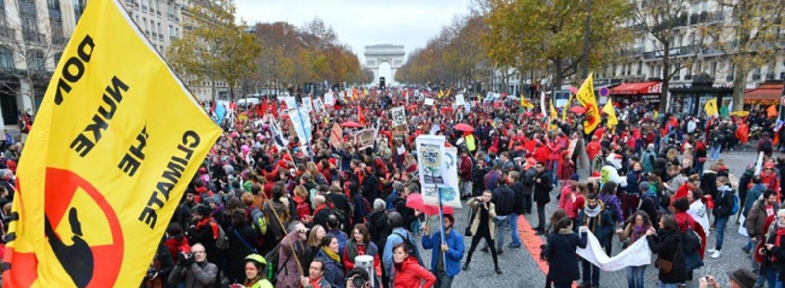 Climat : manifestation pacifique et déterminée dans tout Paris