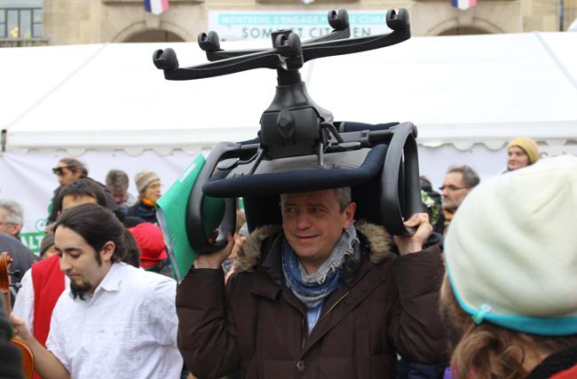 Parmi les faucheurs de chaises, le cofondateur de Nouvelle donne, Pierre Larrouturou. - EM.