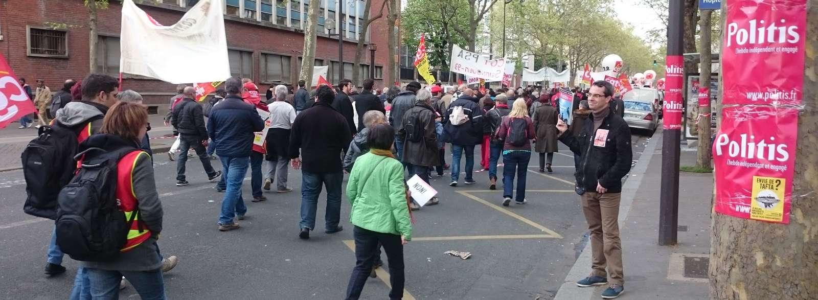 Présence de Politis dans les manifestations contre le projet de loi travail