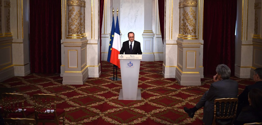 Le Waterloo constitutionnel de François Hollande
