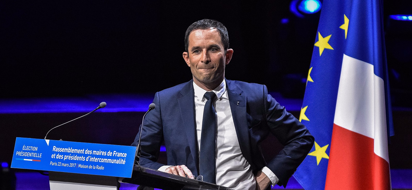 Hamon remanie son programme