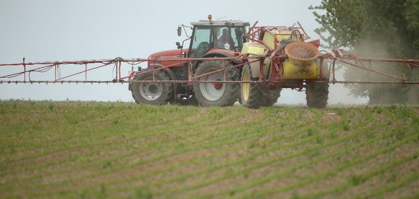 Pesticides : le glyphosate bientôt maintenu en Europe ?