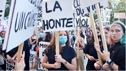 Manifestation contre le « remaniement de la honte »